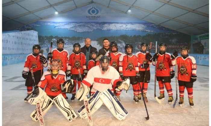 Sultangazi'de Buz Pateni başladı