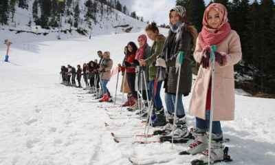 AÇÜ'nün uygulamalı kayak dersleri devam ediyor