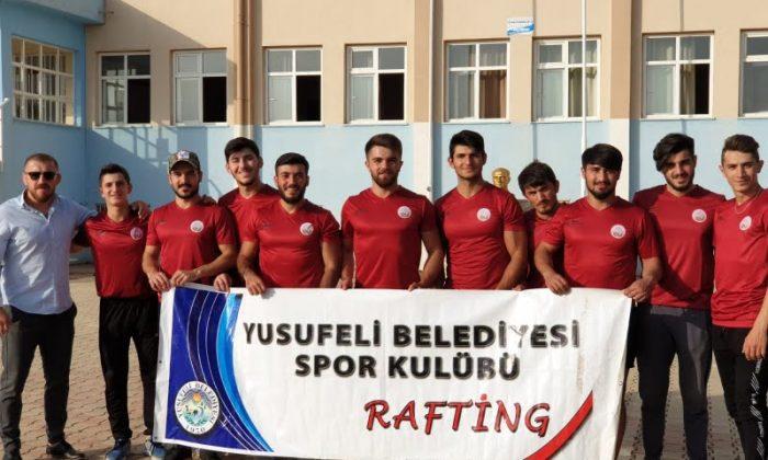 Yusufeli'li Raftingçiler Türkiye Şampiyonu oldu