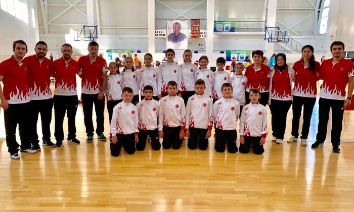 Minik Badmintoncular Balkan Şampiyonasında