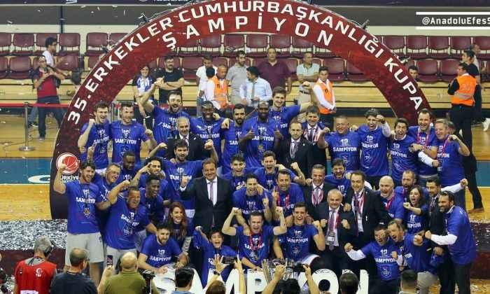Cumhurbaşkanlığı Kupası'nın sahibi Anadolu Efes