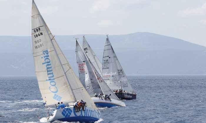 Columbia Yelken Takımı'ndan denizde bir başarı daha