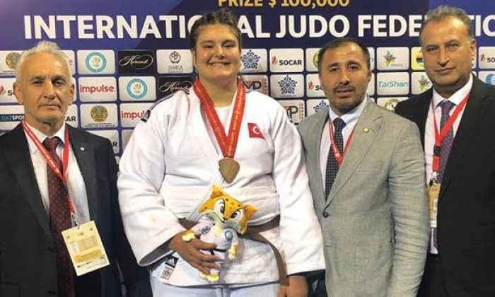 Hilal Öztürk dünya üçüncüsü oldu