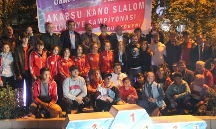Akarsu Kano Slalom Türkiye şampiyonası Yusufeli'nde yapıldı