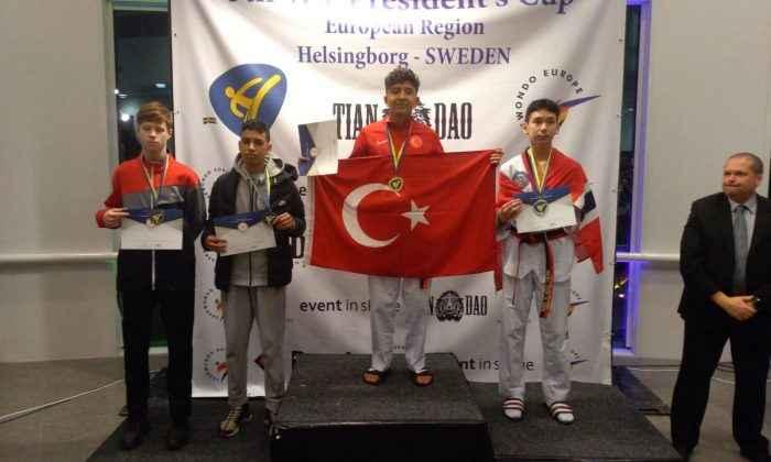 Tekvandocular 5'i altın 11 madalya kazandı