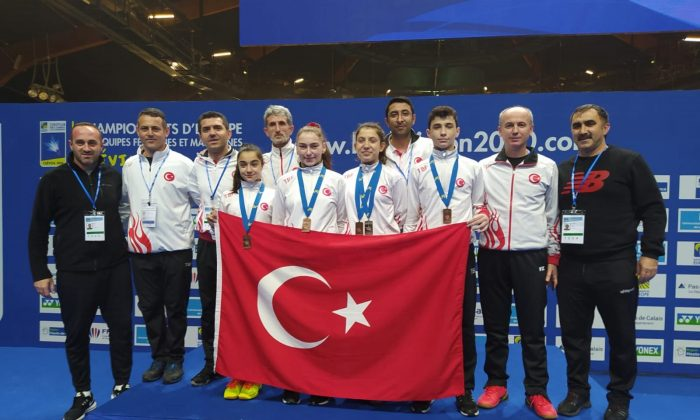Badminton Şampiyonasından 1 gümüş, 2 bronz madalya