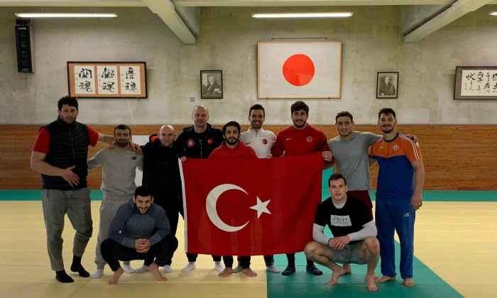 Judocuların Japonya'daki ortak çalışma kampı sürüyor