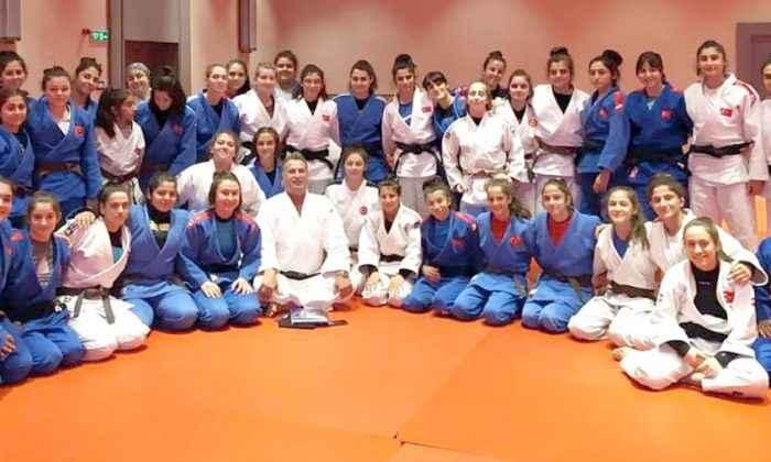 Ümit milli kadın judoculara oyun kuralları bilgilendirmesi yapıldı