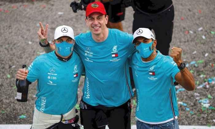 F1 Pilotu Lewis Hamilton İstanbul'da 7'nci dubleyi hedefliyor