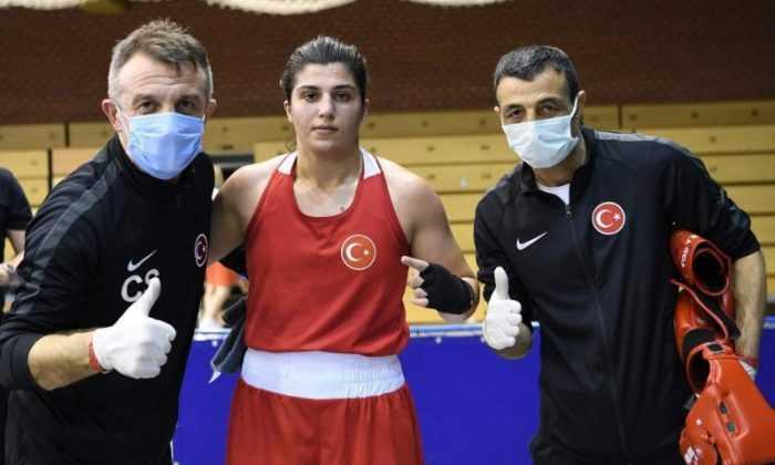 Macaristan'da iki boksörümüz finalde