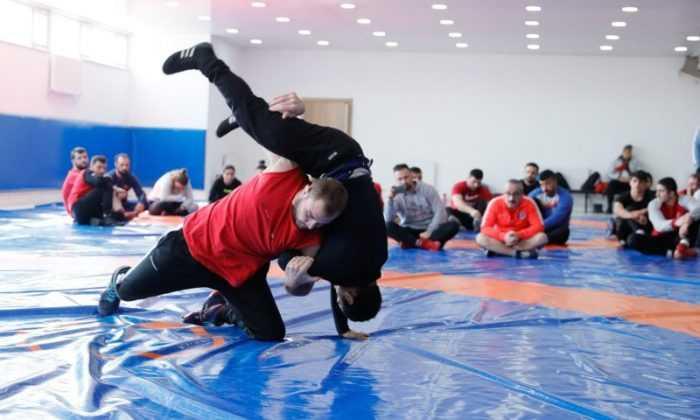 Güreşte antrenörlük sınavları yapıldı