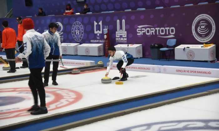 Curling Süper Lig müsabakaları Erzurum'da başladı