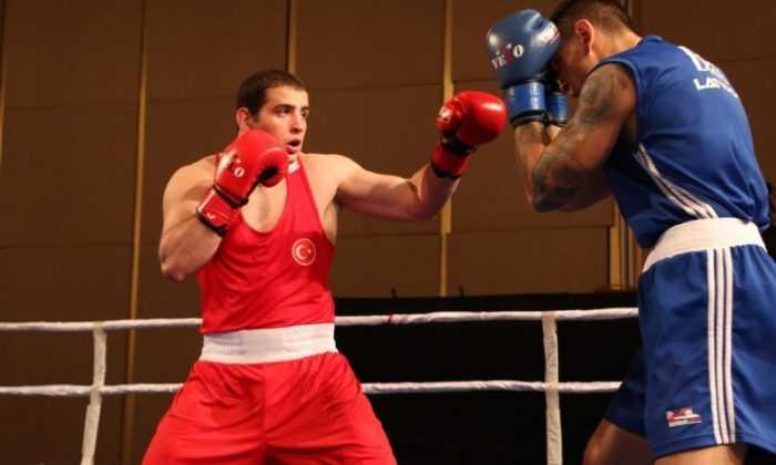 Altı boksörümüz finalde