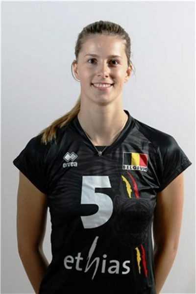 Laura Heyrman 2