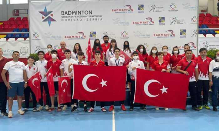 Uluslararası Badminton Turnuvası'ndan 3 Madalyayla Döndük
