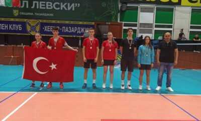 17 Yaş Badminton Milli Takımı Tarih Yazdı