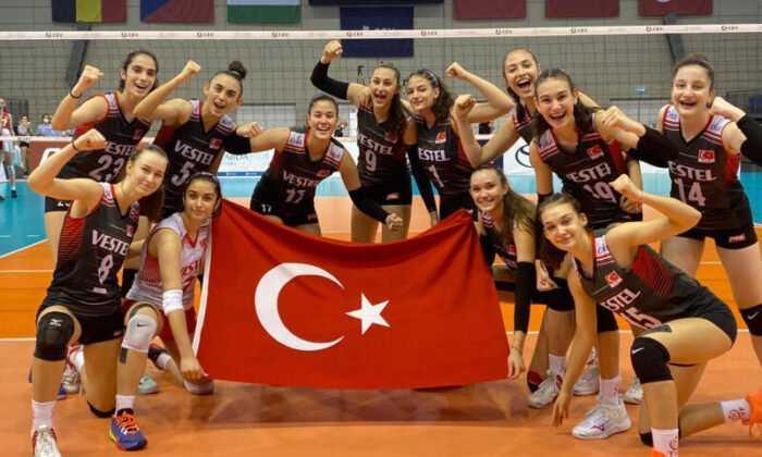 U16 Kız Milli Takımı Avrupa Şampiyonası'nda Yarı Finalinde