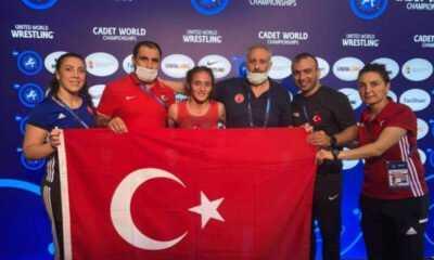Yıldızlar Dünya Güreş Şampiyonası'nda Selvi İlyasoğlu'ndan Altın Madalya