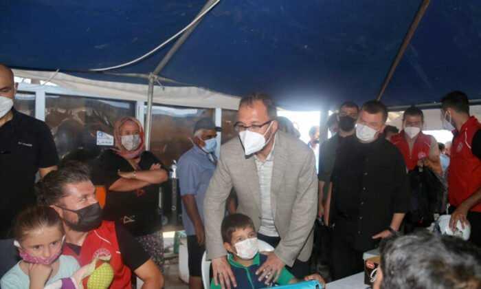 Bakan Kasapoğlu Manavgat'ta Yanan Ormanlarda İncelemelerde Bulundu