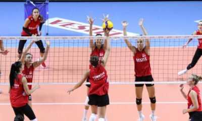 A Milli Kadın Voleybol Takımı Avrupa Şampiyonası için İstanbul'da Kampa Girdi
