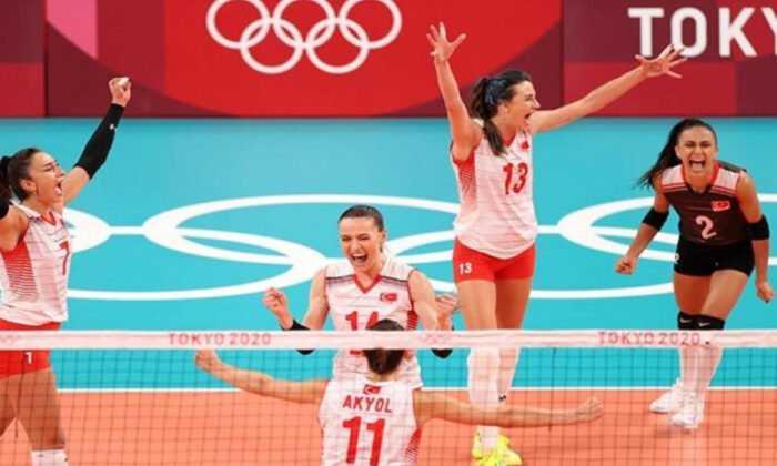 A Milli Kadın Voleybol Takımı Olimpiyatlarda Çeyrek Finale Yükseldi