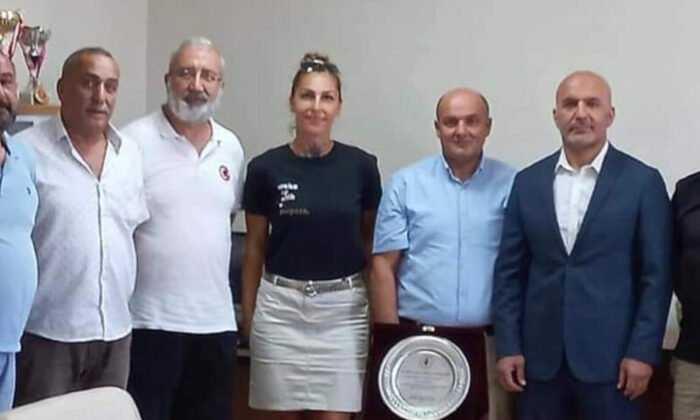 Küçükçekmece Kulüpler Derneği, İlçe Spor Müdürü'nü Ziyaret Etti
