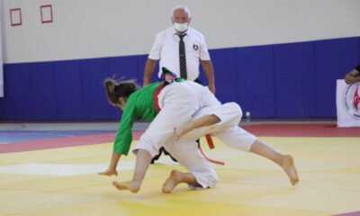 Kuraş Türkiye Şampiyonası Karaman'da Başladı