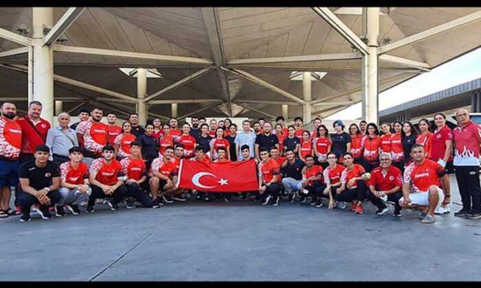 Milli Takım, Balkan U18 Atletizm Şampiyonası için Sırbistan'a Gitti