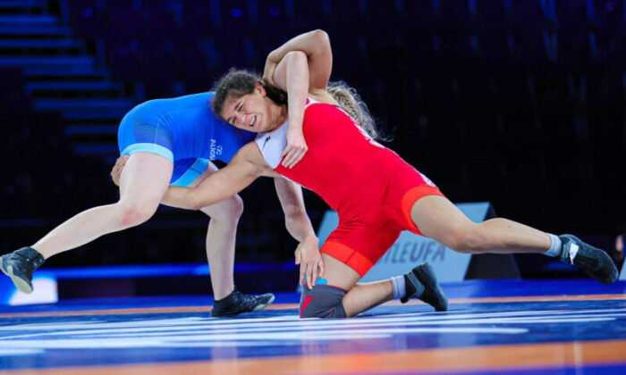 Zehra Demirhan ve Nesrin Baş'dan Bronz Madalya
