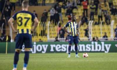 Fenerbahçe Olympiakos'a 3-0 Yenildi