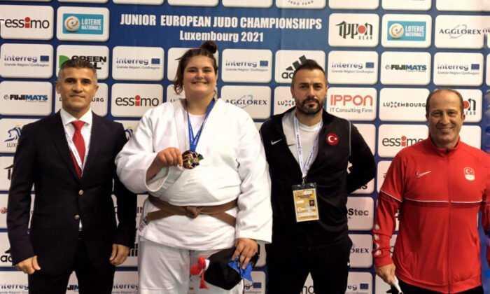 Gençler Avrupa Judo Şampiyonası'nda Hilal Öztürk, Bronz Madalya Kazandı