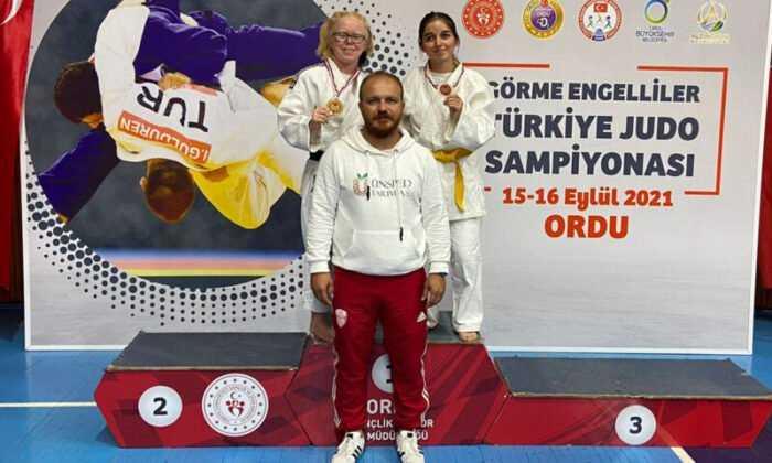 Judocu Cahide Eke ve Damla Sarıçoban Karaman'ın Gururu Oldu