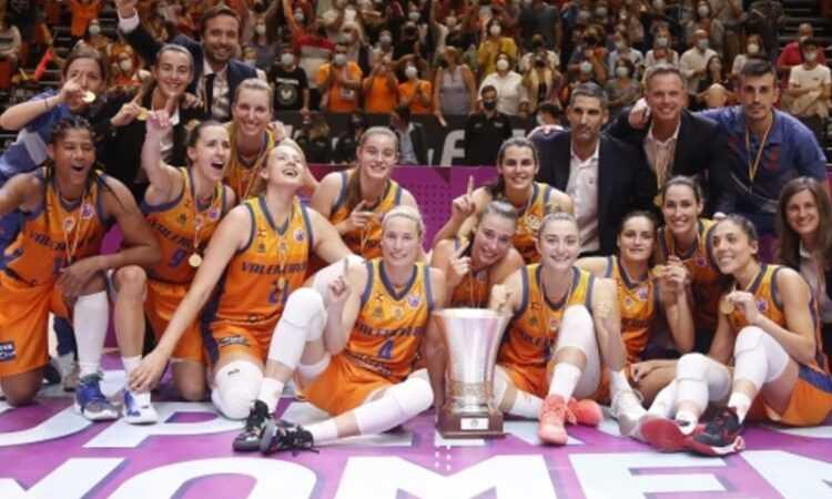2021 FIBA Kadınlar Süper Kupa'sı Valencia'nın