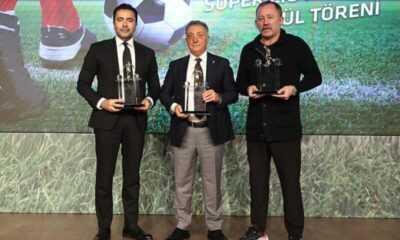 Yılın Takımı Ödülünü Beşiktaş, Yılın Teknik Direktörü Ödülünü Sergen Yalçın Aldı